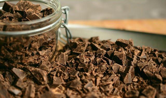 Czym różni się czekolada gorzka od…gorzkiej?